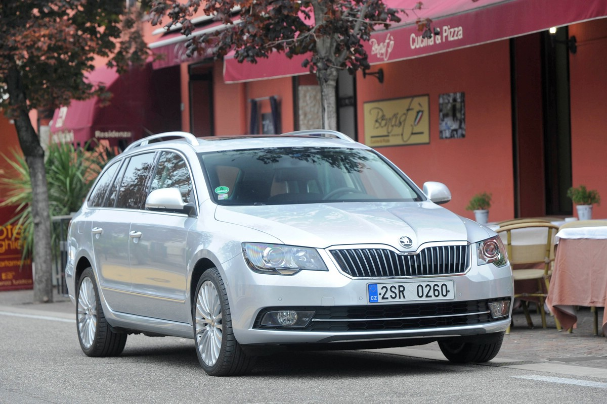 Facelift Skoda Superb mit LED-Licht-Technik