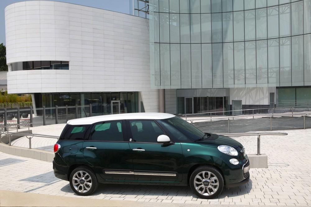 Der neue Fiat 500L Living in Dunkel Grün
