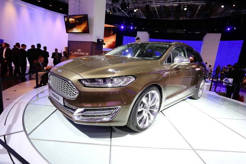 Ford Mondeo Vignale auf der Frankfurter Automobilmesse IAA 2013