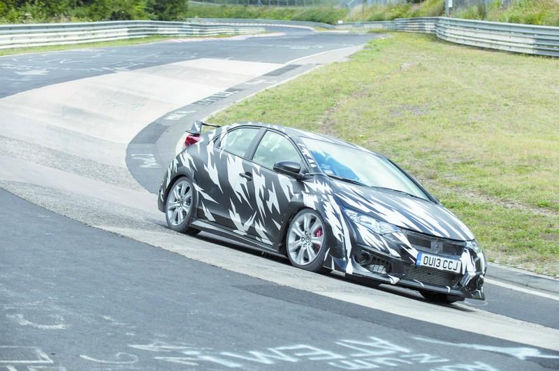 Honda Civic Type R bei den Tests auf der Nürburgring-Nordschleife