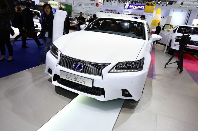 Lexus GS 300h auf der Frankfurter Automobilmesse IAA 2013