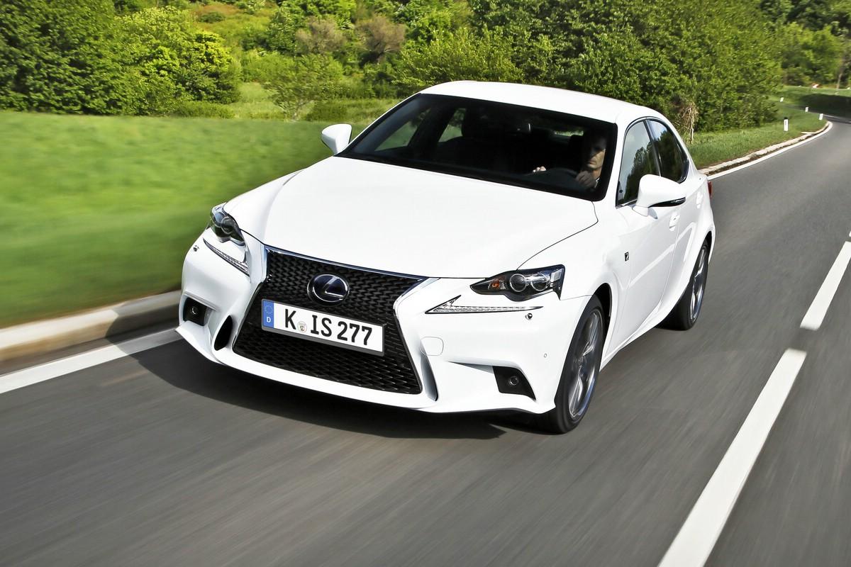 Der neue Lexus IS bekommt 5 Sterne