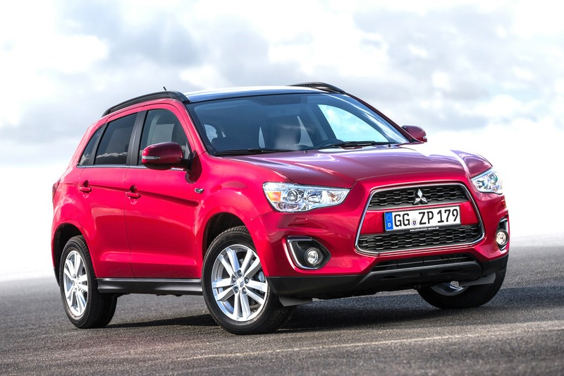 Kompakt-SUV Mitsubishi ASX 1.8 DI-D Cleartec 2WD in rot in der Frontansicht