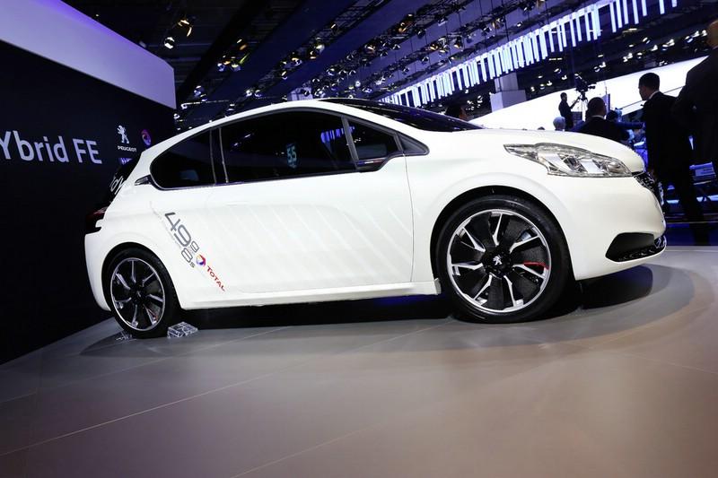 Peugeot 208 Hybrid FE auf der Internationalen Automobil-Ausstellung 2013