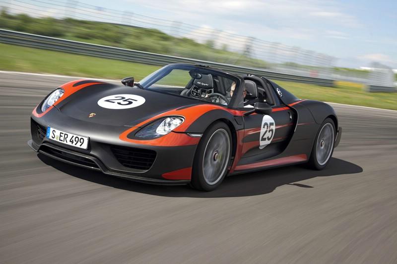 Porsche 918 Spyder auf der Rennstrecke