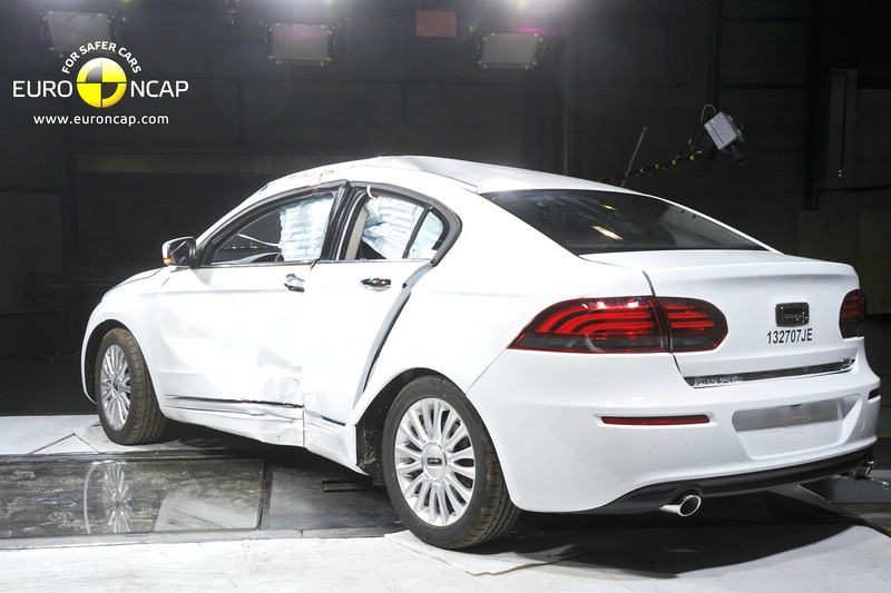Die neue Qoros Limousine nach dem Crashtest