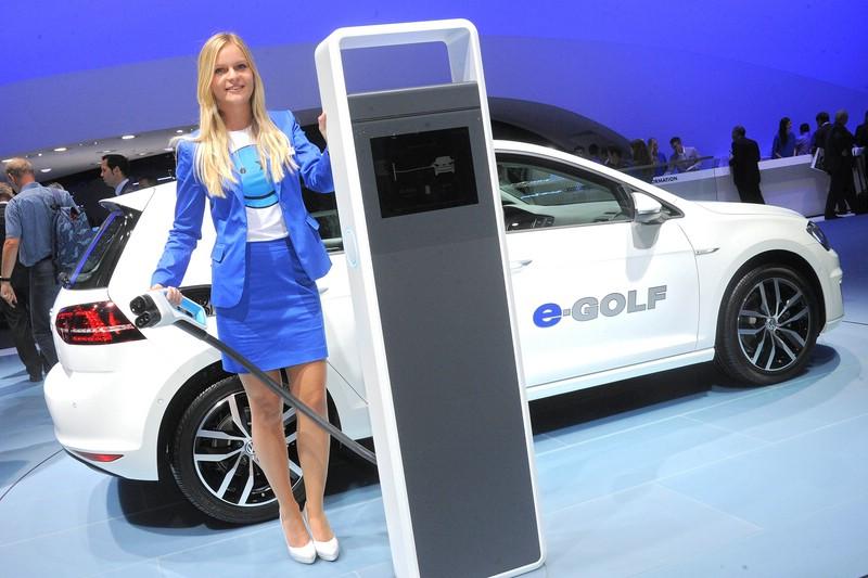 VW e-Golf auf der Internationalen Automobil-Ausstellung 2013