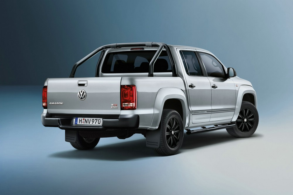 Die Heckpartie des VW Amarok Black Label