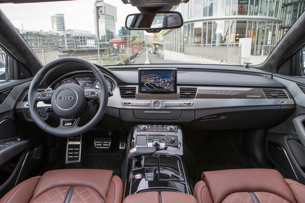 S8 Interieur mit rotem Leder unnd volle Ausstattung