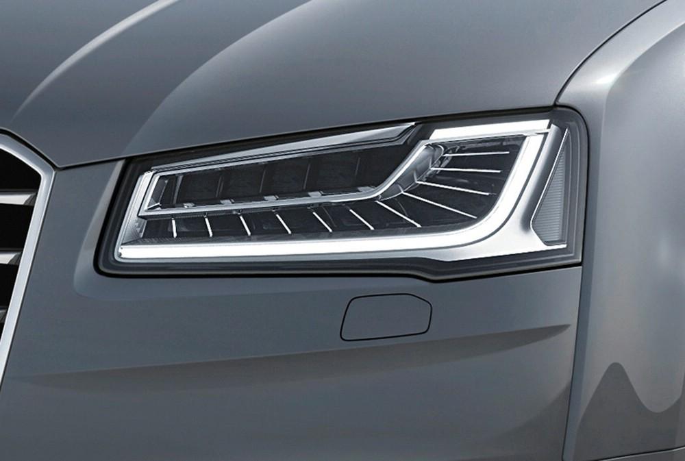 Die neuen Matrix-Scheinwerfer des Audi A8 2014