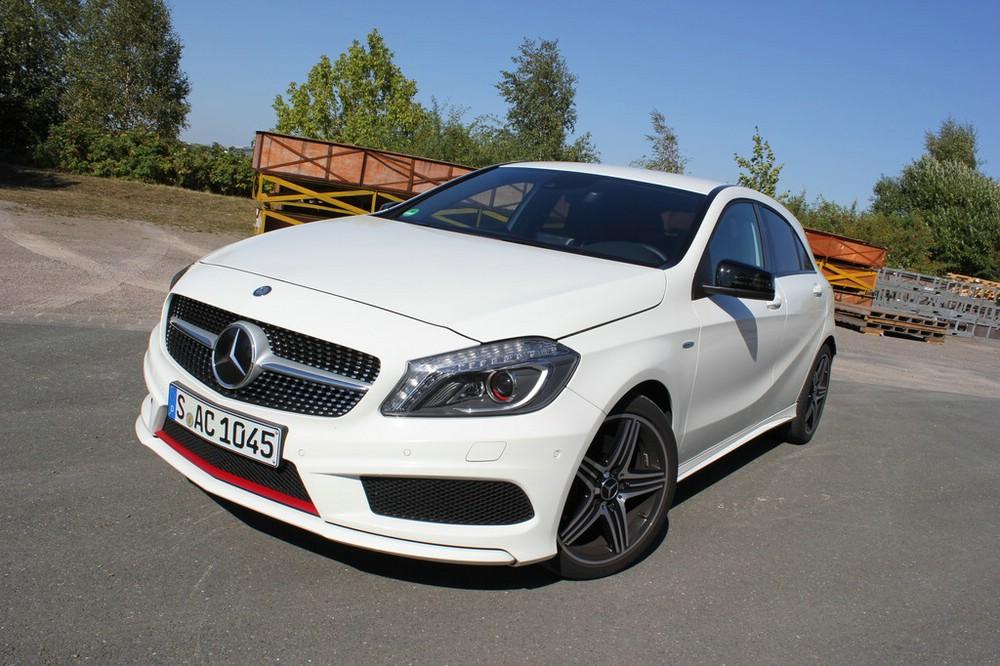 Der 211 PS starke Mercedes-Benz A 250 Sport in weiß