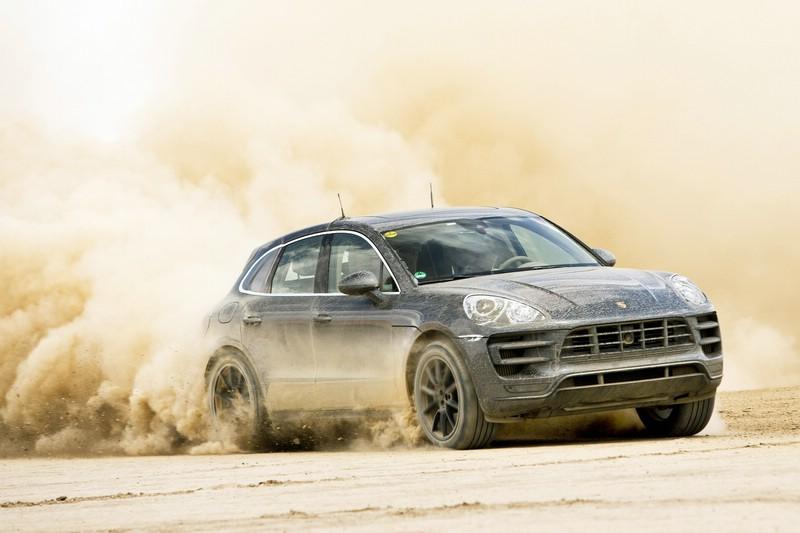 Der neue Porsche Macan in der Wüste