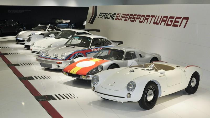 Die Porsche-Sonderschau 60 Jahre Supersportwagen in Stuttgart