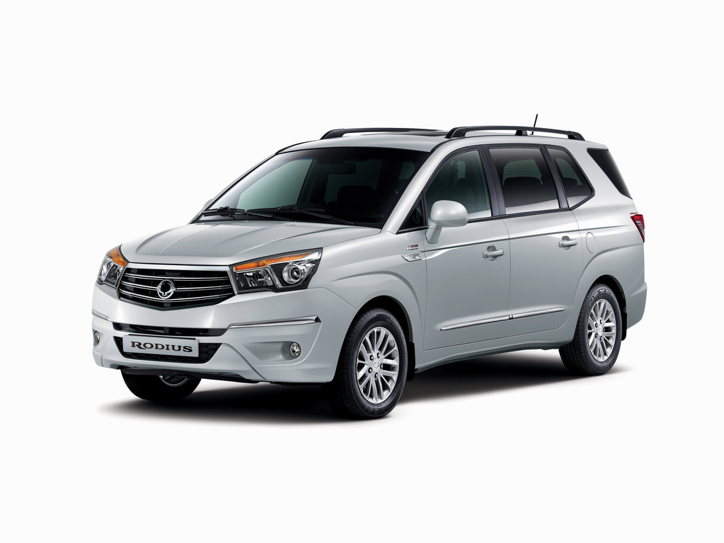 SsangYong Rodius Modellpflege 2014 in silber