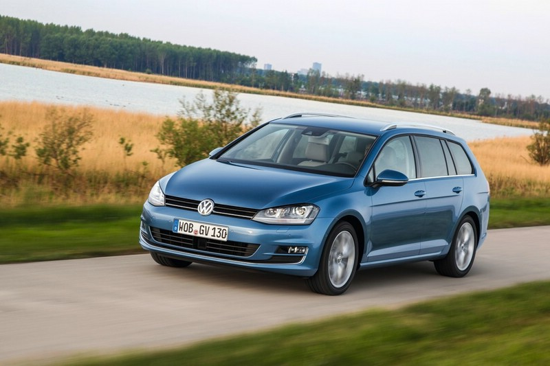 Volkswagen Golf Variant Modellgeneration 2013 in blau