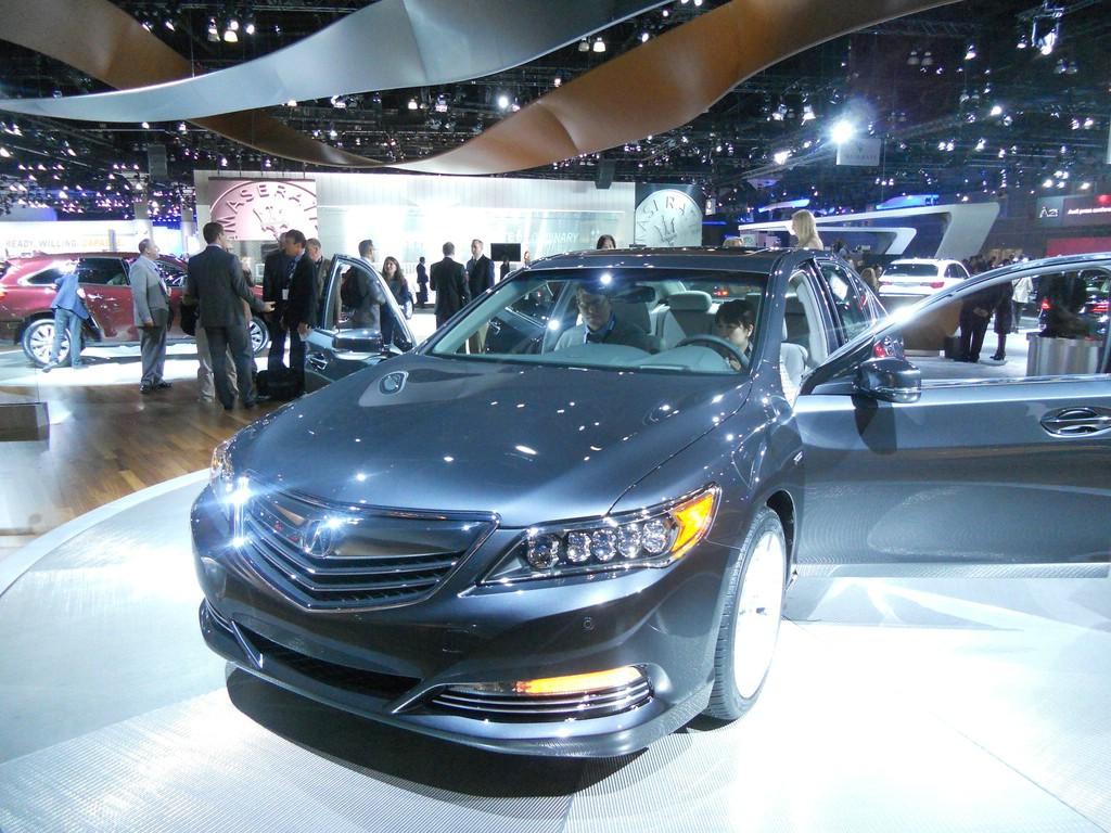 Acura RLX Sport Hybrid auf der LA Auto Show 2013