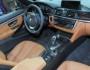 Der Innenraum des BMW 4er Cabrio mit Ledersitzen