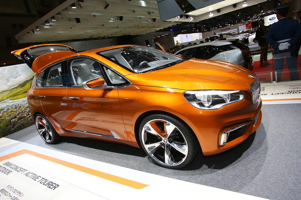BMW präsentiert das Active Tourer Concept auf der Tokio Motor Show 2013