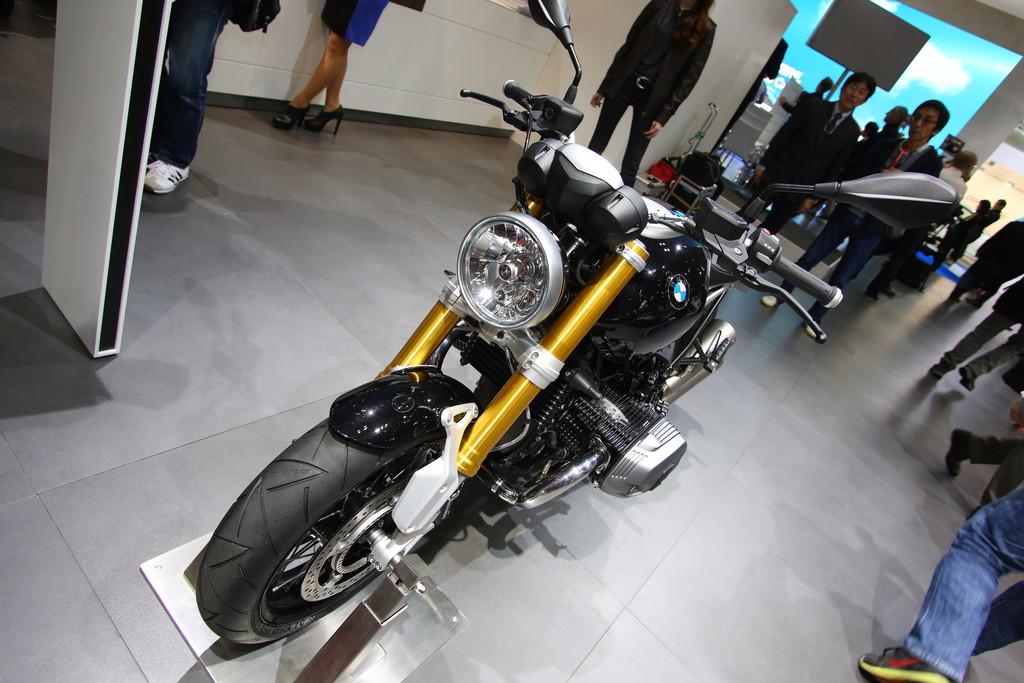 BMW R Nine T auf der Automesse Tokio 2013