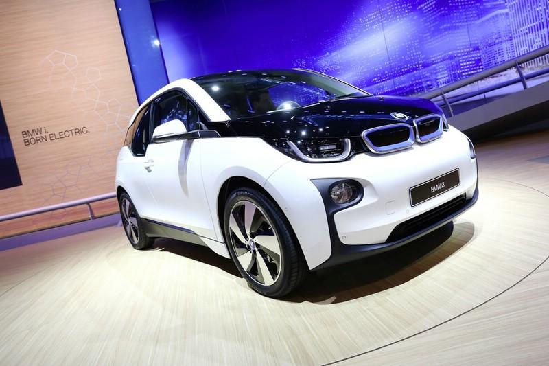 Elektroautomodell BMW i3 in weiß