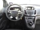 Das Cockpit des Ford Tourneo Connect mit Bildschirm in der Mittelkonsole