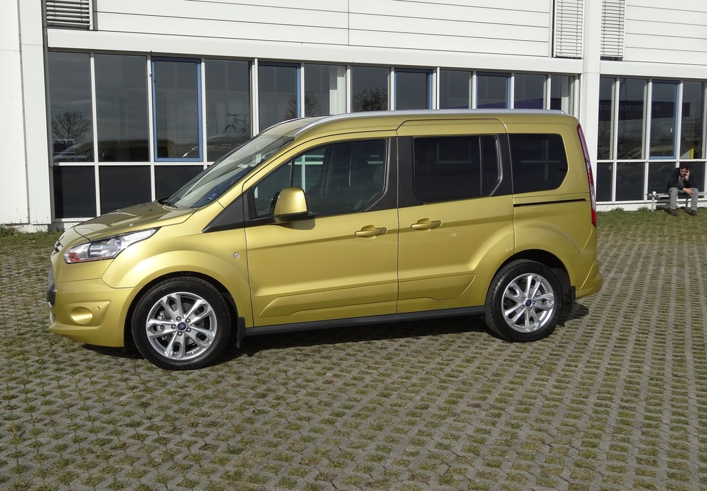 Ford Tourneo Connect in Gold in der Seitenansicht