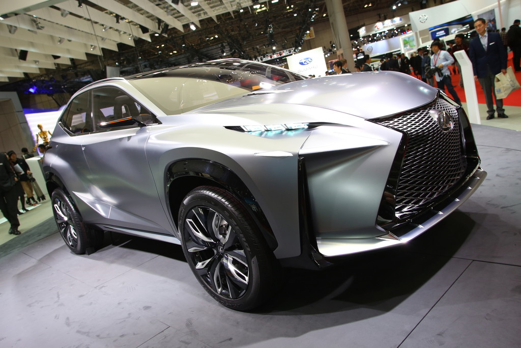 Lexus präsentiert den LF-NX Turbo auf der Tokio Motor Show 2013