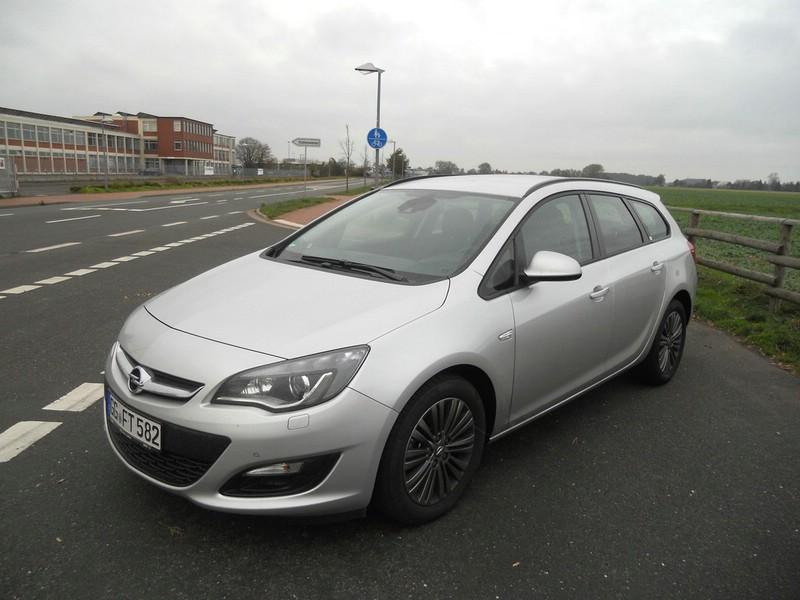 Opel Astra Sports Tourer Exterieur Aufnahmen
