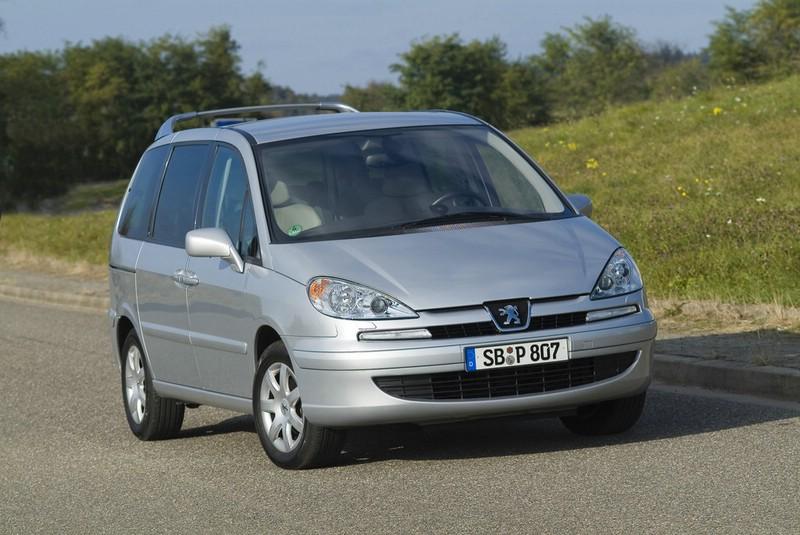 Der Peugeot-Familienvan 807.Modelljahr 2014