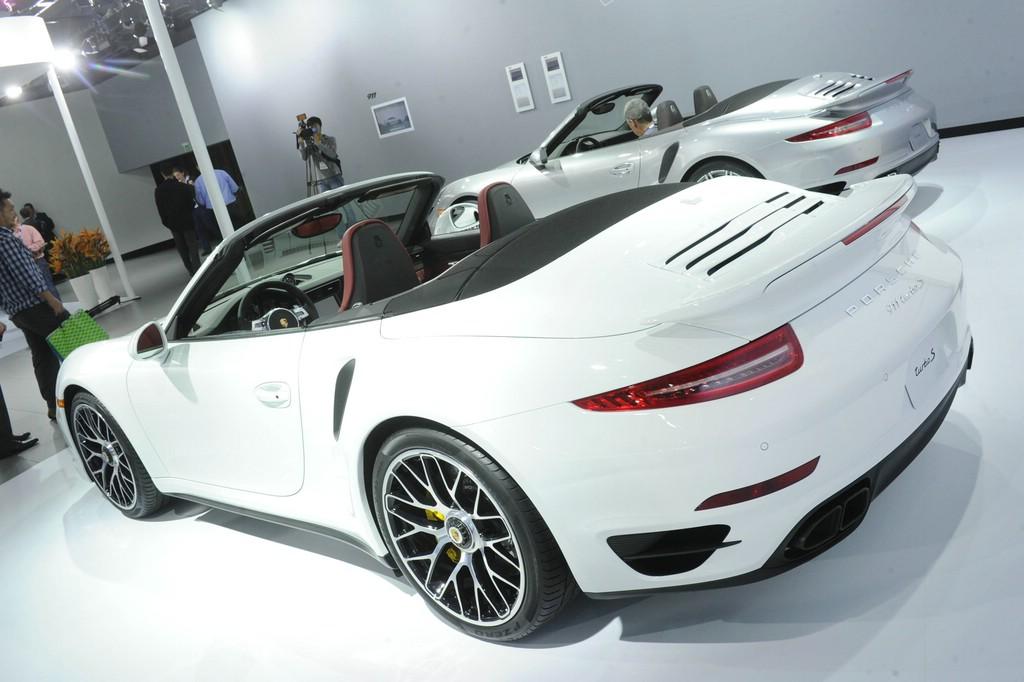 Die Heckpartie des Porsche 911 Turbo Cabriolet