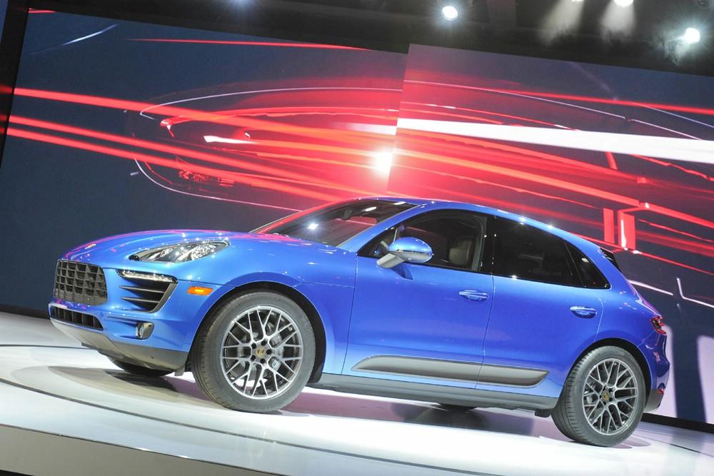 Die Seitenansicht des Porsche Macan