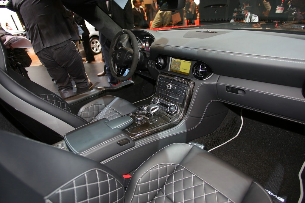 Galerie: SLS AMG GT Final Edition Interieur | Bilder und Fotos