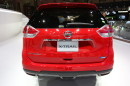 Die dritte Generation des Nissan X-Trail in rot