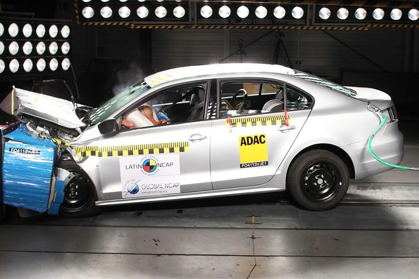 Der Volkswagen Jetta beim Crashtest