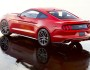 Rotes Ford Mustang Coupe in der Heckansicht
