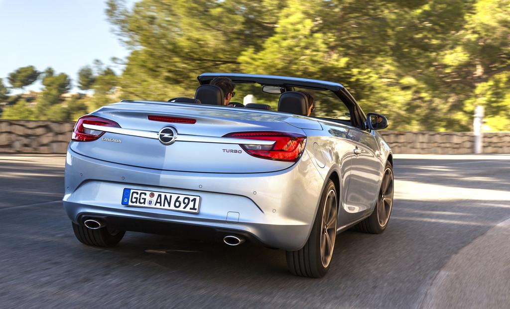 Die Heckpartie des Opel Cascada 1.6 Ecotec DIT
