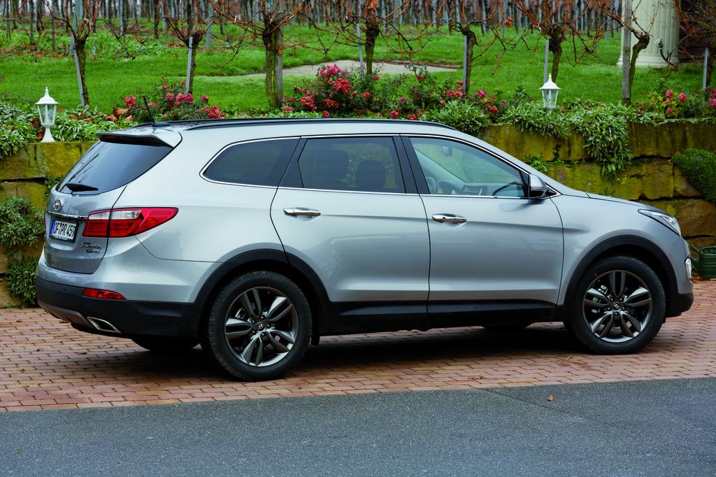 Die Seitenpartie des neuen Hyundai Grand Santa Fe