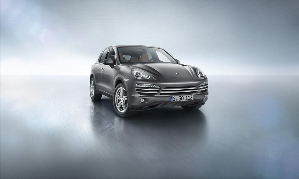 Porsche Cayenne Platinum Edition in der Lackierung Platinsilbermetallic