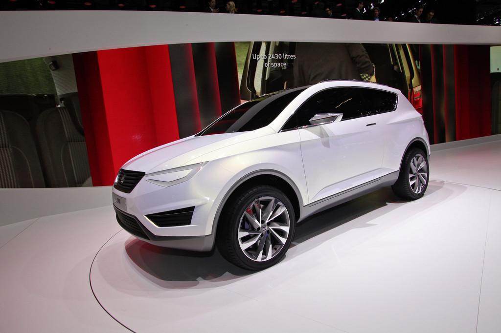 Der Seat IBX als Concept Car auf einer Messe