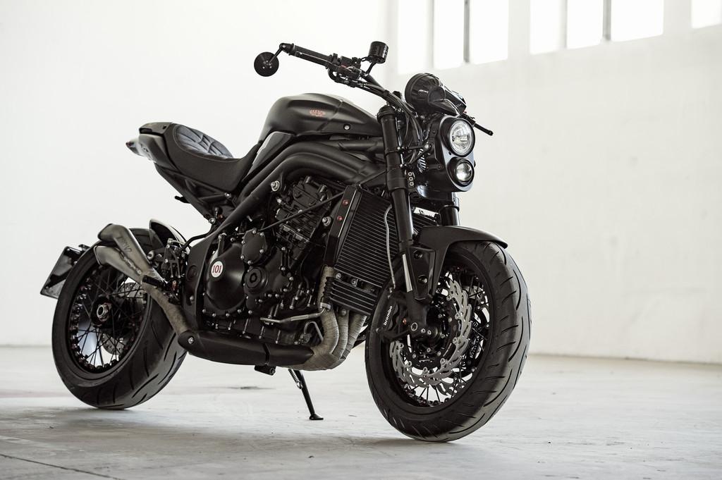 Zu sehen wird diese Triumph Fleur du Mal von Triumph München auf der Custombike Show 2013