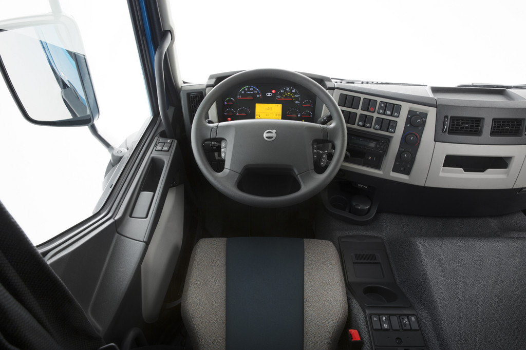 galerie volvo fe cockpit bilder und fotos. Black Bedroom Furniture Sets. Home Design Ideas