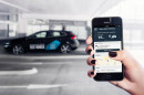 das autonom ein- und ausparkende Auto von Volvo mit einem App
