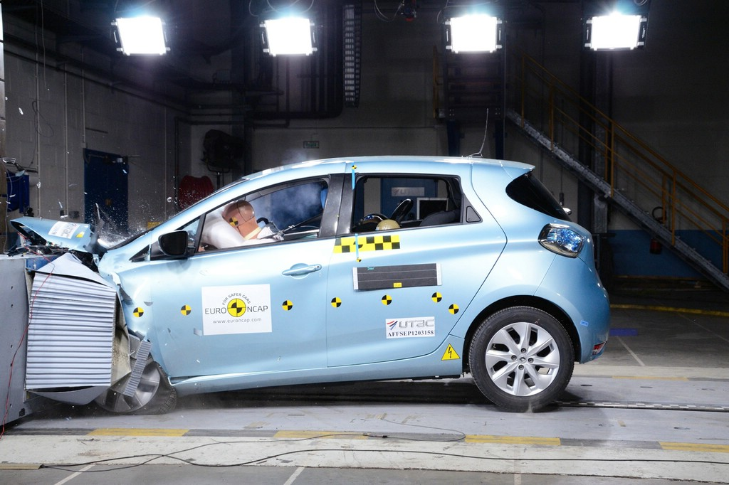 Der Crashtest des Renault Zoe beim EURO NCAP