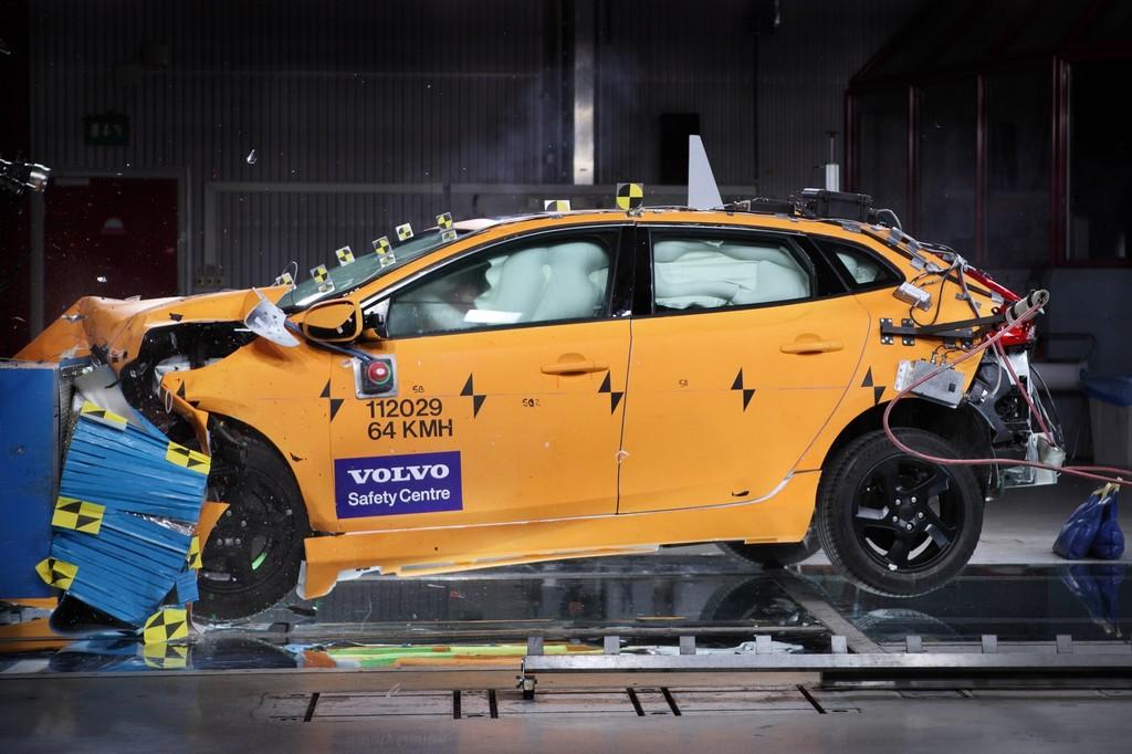 Crashtest des Volvo V40 beim Euro NCAP