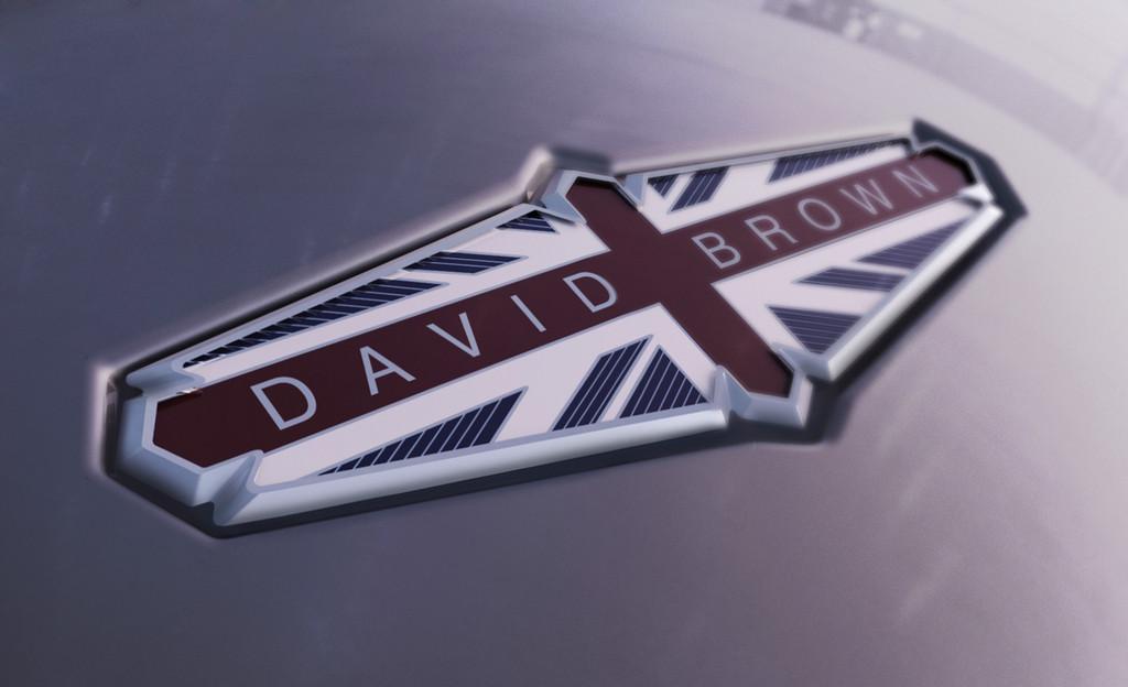 Das Logo des Autoherstellers David Brown Automotive