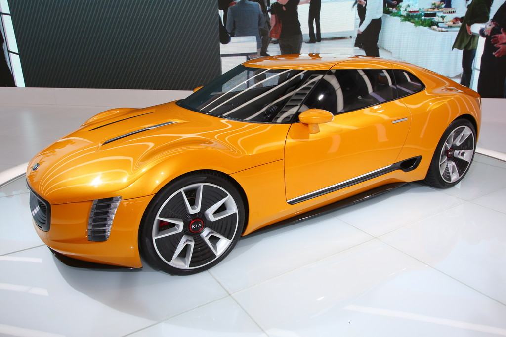 Einer der Trends in Detroit: Kia GT4 Stinger