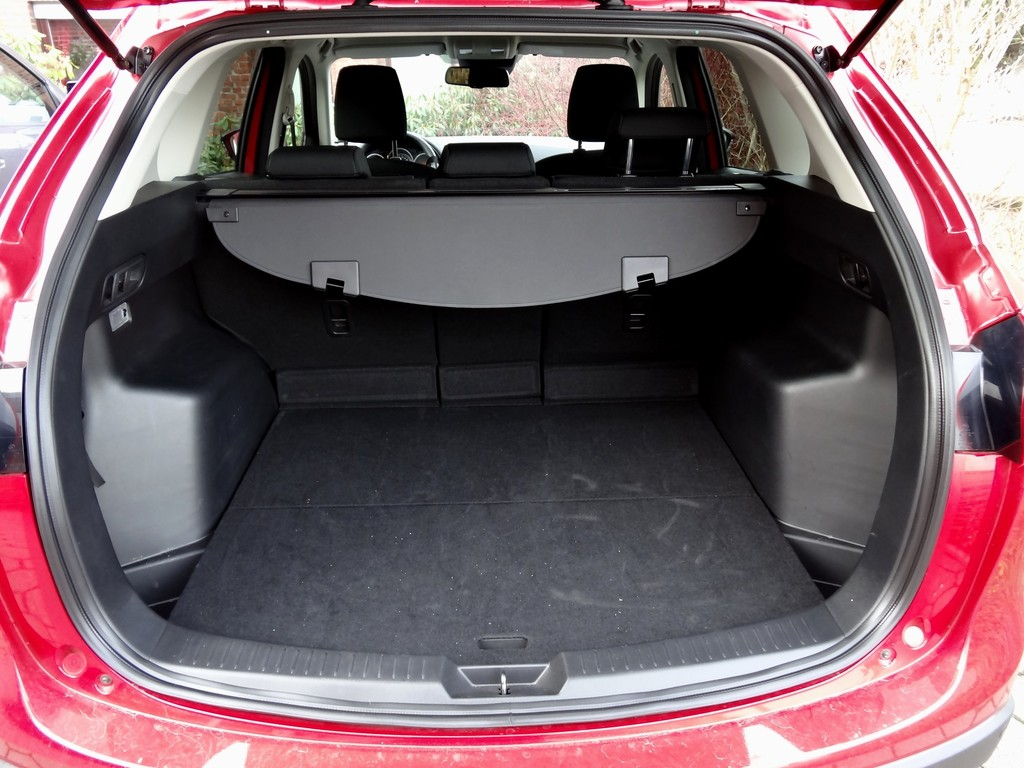 galerie kofferraum mazda cx 5 bilder und fotos. Black Bedroom Furniture Sets. Home Design Ideas