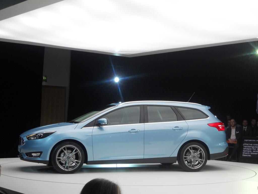Ford Focus Turnier Modell 2014 in der Seitenansicht