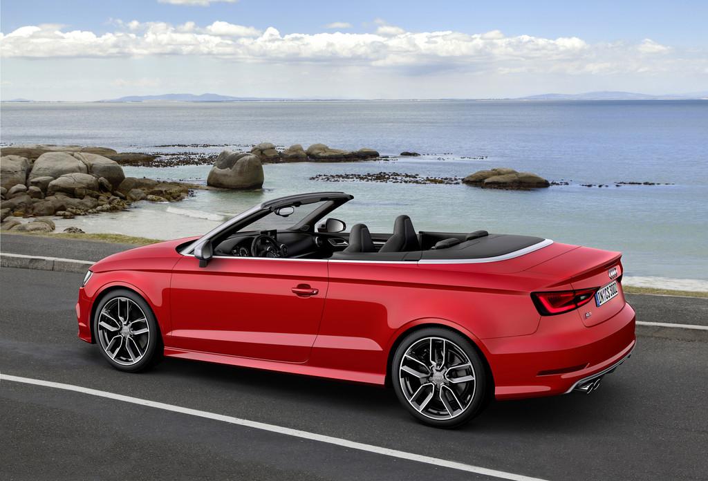 2014er Audi S3 Cabriolet in rot in der Seitenansicht
