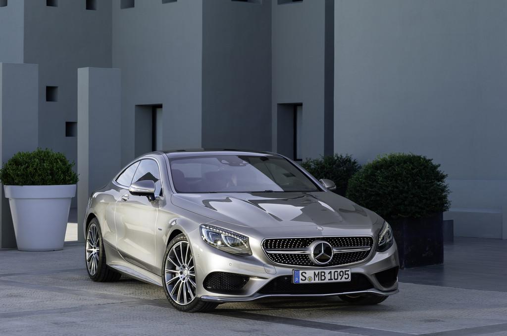 Mercedes-Benz S-Klasse Coupé 2014 in silber in der Frontansicht